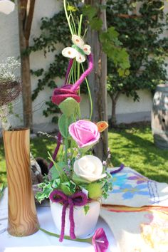 Gefilzte Blume Table Decorations, Home Decor, Felted Flowers, Decoration Home, Room Decor, Interior Design, Home Interiors, Interior Decorating