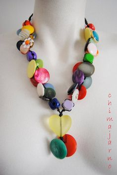 Chimajarno, by Chiara TrentinShopTherapy Button Necklace, Beaded Necklace, Necklaces, Color Harmony, Vintage Buttons, Crafts To Do, Art Techniques, Boho Chic, Upcycle