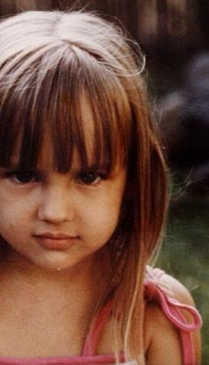 Rachael Leigh Cook in childhood