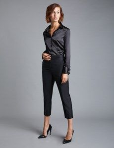 Buy Hawes And Curtis Black Fitted Satin Plain Double Cuff Shirt from the Next UK online shop Business Casual Outfits, Business Fashion, All Black Business Attire, Women's Business Clothes, Casual Office Outfits Women, Women Business Attire, Business Professional Attire, Outfit Office, Office Wardrobe