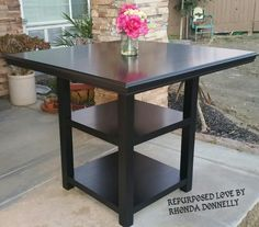 Reloved in beautiful General Finishes Lamb Black.  #generalfinishes #lambblack #table