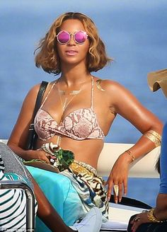 Beyonce Knowles wearing her new collection, Flash Tattoos Flash Tattoos, Beyonce Tattoo, Best 3d Tattoos, Gold Temporary Tattoo, Silver Tattoo, Metal Tattoo, Blue Ivy, Jewelry Tattoo, Kids Sunglasses