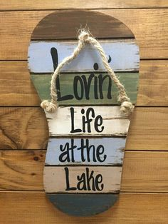FLIP FLOP Sign Reclaimed Wall Pallet Lovin Life at the lake / in Flip Flops Beach Wood Rustic Sandal Plaque 13 X 7 Vertical Nautical Wooden Sign with Twine Blue Green Brown White Pallet Crafts, Pallet Art, Wood Crafts, Lake Signs, Beach Signs, Lake House Signs, Cottage Signs, Crafts To Make, Diy Crafts