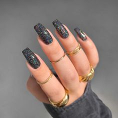 Black Nails With Glitter, Black Acrylic Nails, Dark Nails, Best Acrylic Nails, Black Coffin Nails, Silver Sparkly Nails, Dark Color Nails, Nails With Gold, Black And Blue Nails