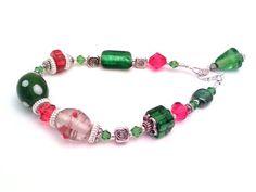 Looks like little presents on your wrist! Christmas bracelet, red and green bracelet, beaded bracelet, holiday bracelet, handmade beaded bracelet