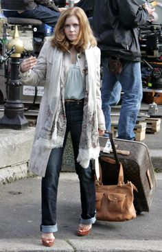 pale shirt, scarf, dark jeans (love Amy Adams' wardrobe in Leap Year)