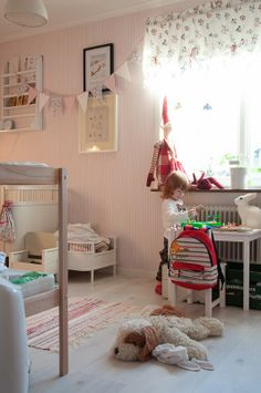 Hem och Lycka: little girl's room