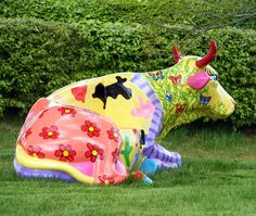 Safran Fine Art Gallery by SafranFineArt Cow Pictures, Free Pictures, Free Stock Photos, Free Photos, Cow Parade, Cow Creamer, Elephant Parade, Cute Cows, Animal Statues