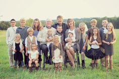 love these neutral colors for a family picture