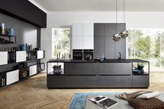 Weißer küchenblock vor dunkler wand küche pinterest dunkle