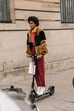 """A Fashion that does not reach the Streets, is not Fashion"" - Coco Chanel Autumn Street Style, Street Chic, Street Wear, Curvy Street Style, Autumn Fashion 2018, Curvy Outfits, Glamour, Star Fashion, Paris Fashion"