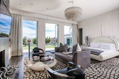 UPDATE: Gwen Stefani Has Relisted Her Glam Beverly Hills Mansion