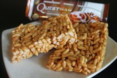 This delicious Quest Nutrition Rice Crispy Treats Fan Recipe of the Week gives you amazing flavor, plenty of protein, and a bit of nostalgia in every bite. Making Rice Crispy Treats, Grape Nutrition, Quest Nutrition, Low Calorie Recipes, Protein Recipes, Protein Desserts, Healthy Treats, Healthy Rice