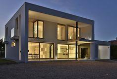 Vivienda Unifamiliar Picassent (2012) : Minimalistische Häuser von DosiCreatius
