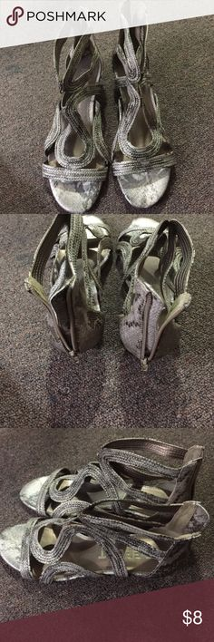 Report sandals Report gladiator styled sandals. This is really a beautifully designed shoe. They are also very comfortable. I'm not so particularly fond of open toed sandals or shoes.  Worn two or three times. Report Shoes Sandals