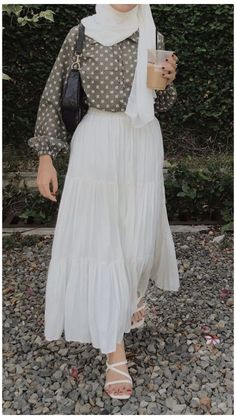 Hijab Fashion Summer, Long Skirt Fashion, Modest Fashion Hijab, Long Skirt Outfits, Modern Hijab Fashion, Modesty Fashion, Hijab Fashion Inspiration, Muslim Fashion, Fashion Outfits