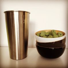 #kivanta #kitchen #ekobo #biobubyekobo #miir #stainlesssteel #stainlesssteelcup #coldlemonade #cloudydays  Some days just feel so black and grey - even though I love the look! But I hate the feeling! But there is a little bit of fatty and spicy green on the horizon to make me happy