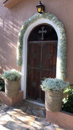 Στο #εκκλησακι_του_κτηματος μπορείτε να τελέσετε το μυστήριο του γάμου σας #κτηματαγαμου #κτηματαδεξιωσεων #γαμος  #βαπτιση #δεξιωσηγαμου #αιθουσεςγαμου #αιθουσεςδεξιωσεων Wedding Seating, Rustic Wedding, Church Wedding Flowers, Church Wedding Decorations, Greece Wedding, Glamorous Wedding, Vintage Diy, Babies Breath, Garden