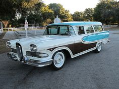 "1958 Edsel Bermuda Wagon The original ""horse collar"" car of the a concept that would have been better off left alone. Photo Vintage, Vintage Cars, Antique Cars, Edsel Ford, Car Ford, Ford Lincoln Mercury, Station Wagon Cars, Automobile, Woody Wagon"