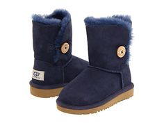 little girl uggs in navy. cozy and cute.