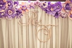 Paper flower backdrop (colours to change)