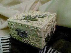 Декупаж - Сайт любителей декупажа - DCPG.RU   шкатулка Ландыши Click on photo to see more! Нажмите на фото чтобы увидеть! decoupage art craft handmade home decor DIY do it yourself box