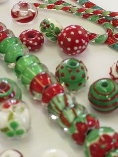 Lampworking, Lampwork Beads, Colored Glass, Make Your Own, Christmas Holidays, Stained Glass, Glass Beads, Beading, Polymer Clay