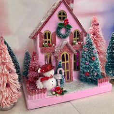 Red and Pink Putz House Glitterhouse with Snowman and bottlebrush trees. Christmas Home, Vintage Christmas, Christmas Crafts, Christmas Decorations, Christmas Glitter, Vintage Decorations, Christmas Villages, Christmas Things, Christmas Items
