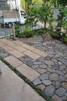 Amazing Landscaping Ideas for Small Backyards Small Japanese Garden, Japanese Garden Design, Backyard Walkway, Small Backyard Landscaping, Stone Landscaping, Modern Landscaping, Garden Steps, Garden Paths, Landscape Design