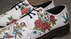 "DR. MARTENS – ""Marcel in White Winter Tattoo""