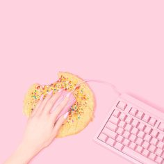 If you give a mouse a cookie... back to the work week grind! Happy Monday, friends!