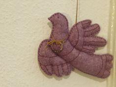 felt bird Felt Birds, Gloves, Cross Stitch, Winter, Winter Time, Punto De Cruz, Seed Stitch, Cross Stitches, Crossstitch