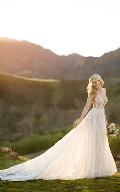 Martina Liana 1167 Ivory Size 18 Lace Wedding Dress, Stunning Wedding Dresses, Country Wedding Dresses, Princess Wedding Dresses, Best Wedding Dresses, Designer Wedding Dresses, Wedding Gowns, Wedding Dresses Houston, Grecian Wedding