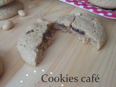 Recette Autre : Petits cookies café, cacahouètes au coeur nutella par Chemindegourmandise