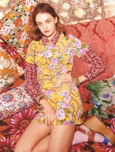 Julia Belakova for Asos Magazine April 2012 by Tung Walsh Posted July 2012 by hunt+gather studio Floral Fashion, Grunge Fashion, Fashion Prints, Trendy Fashion, Fashion Outfits, Plaid Outfits, Fashion Ideas, Vintage Vogue, Vintage Fashion