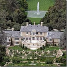 The world most luxurious celebrity homes.