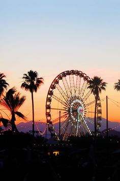 The sun sinks behind the iconic ferris wheel. Get ready for days in the desert & a summer full of festival memories - click through to shop our official H&M Loves Coachella collection.