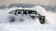Hummer creating a snow-storm. Hummer H3, American Motors, Car Wheels, Offroad, 4x4, Jeep, Trucks, Evening Sandals, Snow