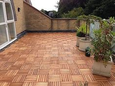 We stock several different designs of tiles as well as thicknesses. Home use, exhibition flooring, pools areas etc. All prices INCLUDE DELIVERY COSTS. Hardwood Decking, Hardwood Tile, Jacuzzi, Acacia, Garden Slabs, Garden Tiles, Interlocking Deck Tiles, Pallet Dog Beds, Patio Tiles