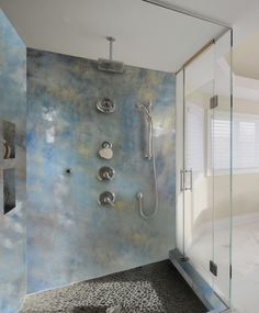Shower Walls Built From Epoxy Poured Over Panels