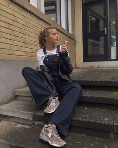Overalls Outfit, Normcore, My Style, Instagram Posts, Fitness, Pants, Clothes, Outfits, Photo Ideas