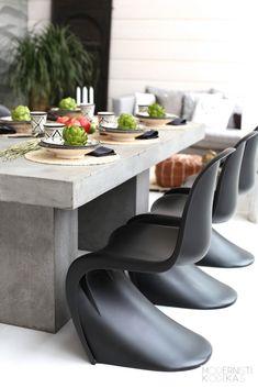 Chaise Panton : l'icone design des années 60 - Clem Around The Corner Table Beton, Concrete Dining Table, Concrete Furniture, Panton Chair, Dining Room Design, Dining Room Chairs, Style At Home, Home Deco