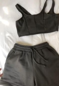 Diy Clothes Design, Diy Clothes And Shoes, How To Make Clothes, Sewing Clothes, Revamp Clothes, Mode Outfits, Casual Outfits, Fashion Outfits, Diy Fashion Hacks