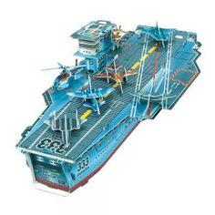 Détachez les pièces et assemblez un porte-avions et 9 maquettes d'avions !