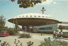 eindhoven - evoluon (main entrance seen from the car park) postcard, holland, technology museum from 1966 till designed by Louis Kalff en Leo de Bever. Concept Architecture, Amazing Architecture, Landscape Architecture, Eindhoven, Mid Century Exterior, Main Entrance, Mid Century Design, Car Parking, Retro