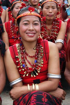 The Sangtams are a Naga tribe living in the Tuensang and Kiphire districts of Nagaland. Ethnic tribe in traditional costume of India. Tribal Women, Tribal People, We Are The World, People Of The World, Naga People, Image Couple, Costume Ethnique, Beauty Around The World, Indian Tribes