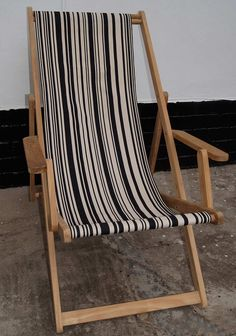 Elegant Classic Deck Chair In Tom Noir Cotton Canvas | BODE