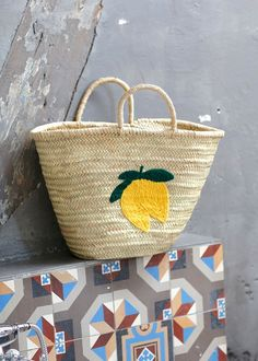 Sézane x CSAO Capsule Collection - Katie Considers Baskets, Wicker Purse, Straw Tote, Capsule, Best Bags, Summer Bags, Basket Weaving, Fashion Bags, Spring Summer Fashion