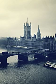Download Wallpaper 640x960 London, Big ben, Night, River, Building, Top view, Black white iPhone 4S, 4 HD Background