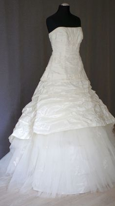 201605 003 1 Designer, One Shoulder Wedding Dress, Wedding Dresses, Fashion, Bride Dresses, Moda, Bridal Gowns, Fashion Styles, Weeding Dresses